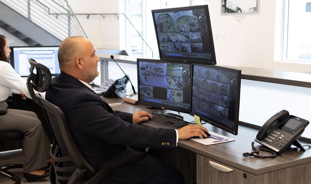 monitoring-service-square